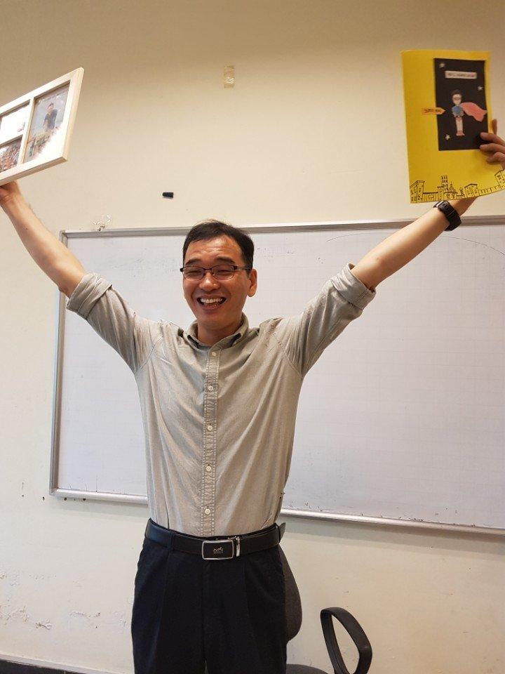 Giảng viên bản ngữ Hàn Quốc giảng dạy