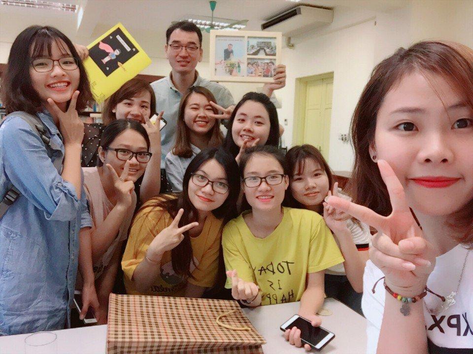 Lớp học cao đẳng tiếng Hàn luôn thú vị